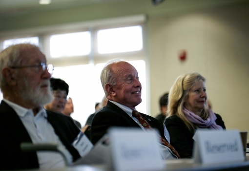 Larry Coldren seated beside his wife and Nobel Laureate Herb Kroemer